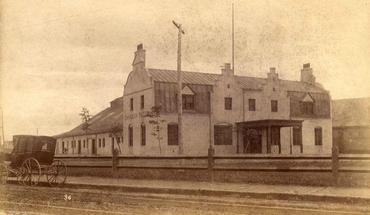 1ere Gare du Palais rue Saint-Paul-Gare du Canadien-Pacifique en 1894