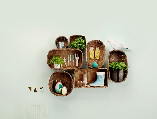 baskets as displayGardens Ideas, Crafts Ideas, Old Baskets, Design Interiors, Food Design, Diy Home, Design Studios, Hanging Baskets, Wall Gardens