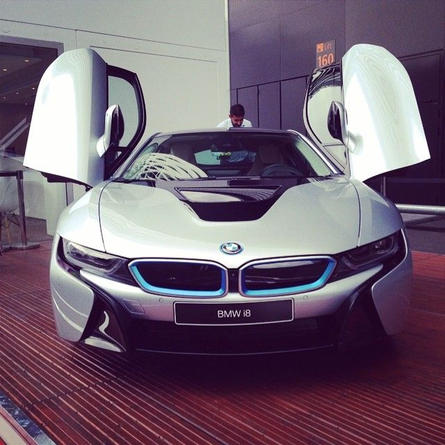 timothyhartleysmith:  BMW i8 #bmw #i8