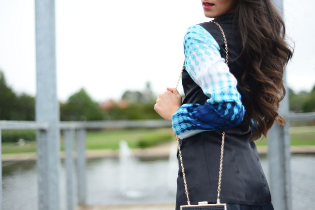 Gorgeous Maryanne from lovembee.com.au wearing the Almost Famous Blazer in Boca Blue from Isabel and I - www.isabelandi.com