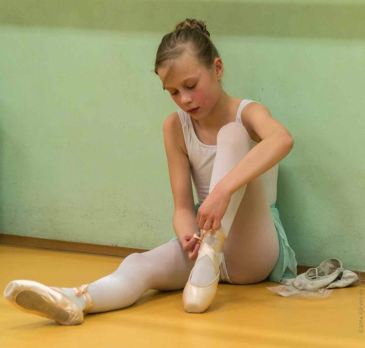 https://flic.kr/p/qcJFbJ | 20141217-_D8H6669 | Public ballet lesson organized by Edukacja Artystyczna Dzieci, Kraków, Poland