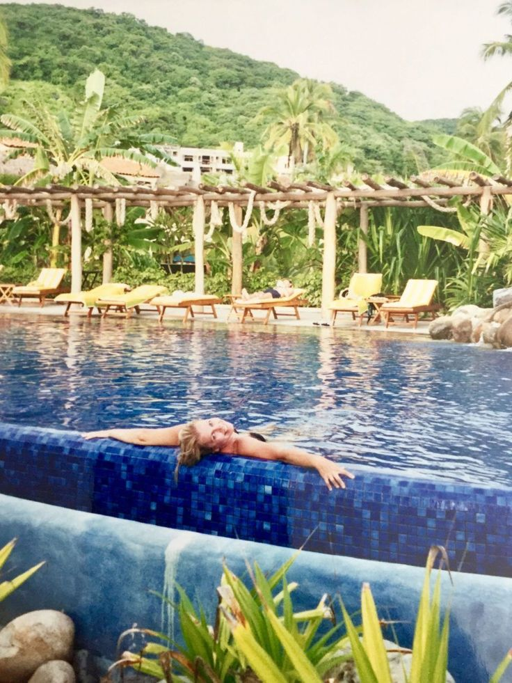 Throwback Travel: Our honeymoon in Zihuatanejo from Style*Mind*Chic.  | travel advisor | Mexico | Curated Travel | honeymoon | #traveladvisor