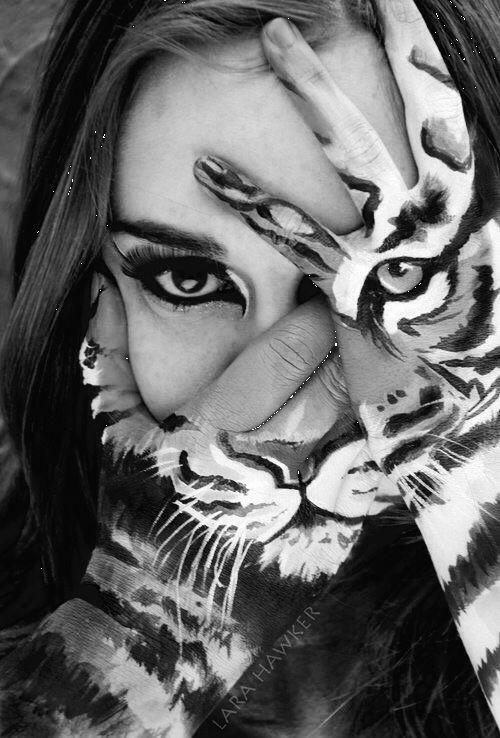 Nunca he visto caras, porque he mirado a la gente en el ojo, sólo vi sus miradas.♥.#viento del alma#Captando miradas#