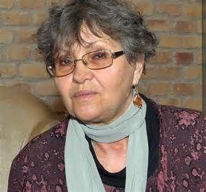 Pécsi Ildikó Kossuth- és Jászai Mari-díjas magyar színművésznő, rendező, érdemes és kiváló művész, a Halhatatlanok Társulatának örökös tagja.