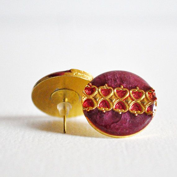 Red button earrings di RiciclAr su Etsy #handmade #ecodesign #vintage #button #earrings
