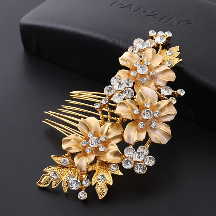 Dramatic Hair Combs For Wedding - Accessories & Headpieces for Happy Bride