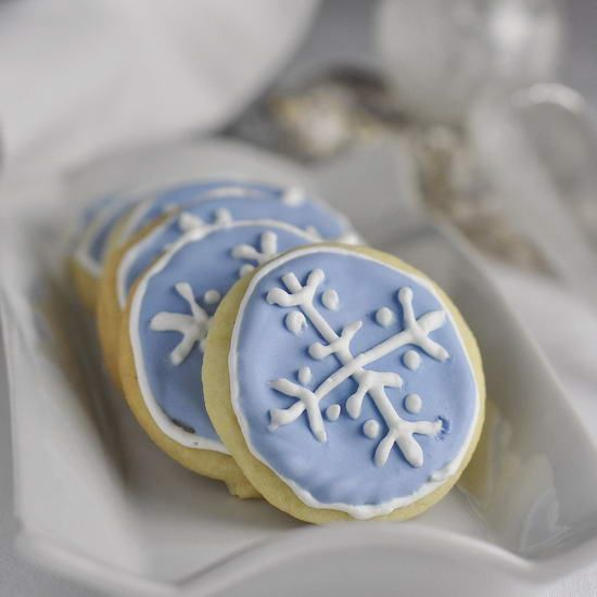 Learn the basics of colorflow decorating with these Easy Christmas Sugar Cookies. My daughter made these pretty cool toned cookies last year.