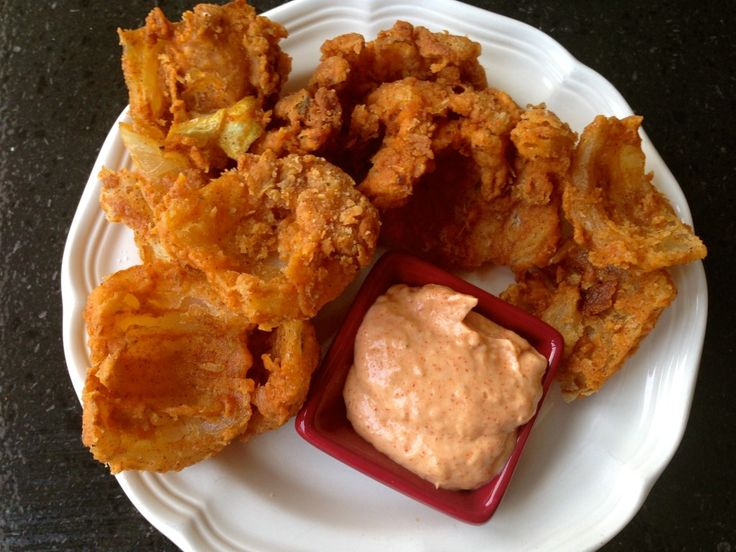 Bloomin' Onion Petals with Dipping Sauce on http://thejoyofeverydaycooking.com