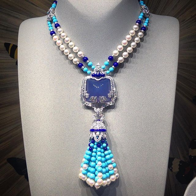 Instagram media amazing necklace, white & colors diamonds, sparkling Van Cleef & Arpels blue turquoise, pearls.