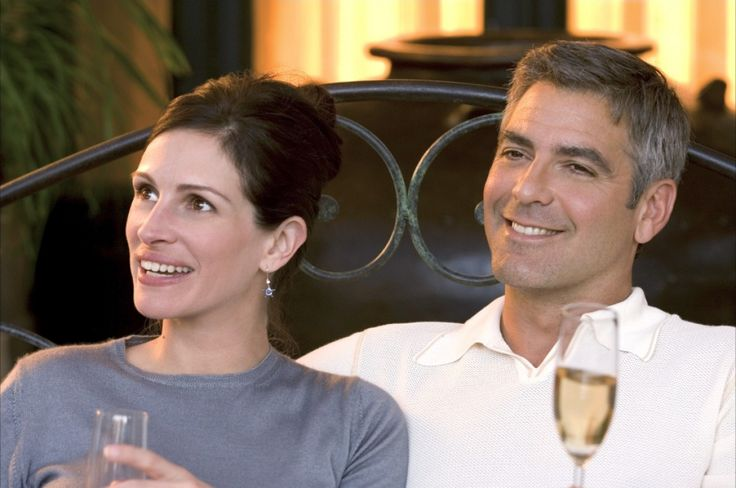 "George Clooney and Julia Roberts in ""Ocean's Twelve"" (2004) de Steven Soderbergh"