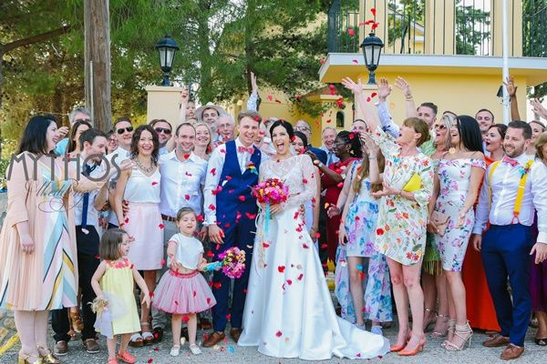Confetti time - group photo #weddingphotos #weddingingreece #kefaloniawedding