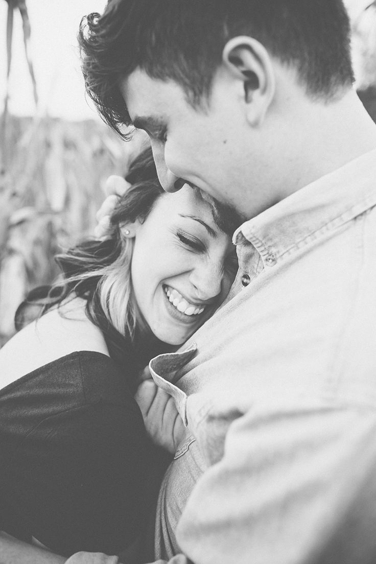 A+cozy+outdoor+picnic+engagement+session+by+High+Five+for+Love+Photography