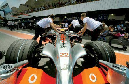 #22 Lewis Hamilton...Vodafone McLaren Mercedes...McLaren MP4-23...Motor Mercedes FO 108V V8 2.4...GP Brasil 2008