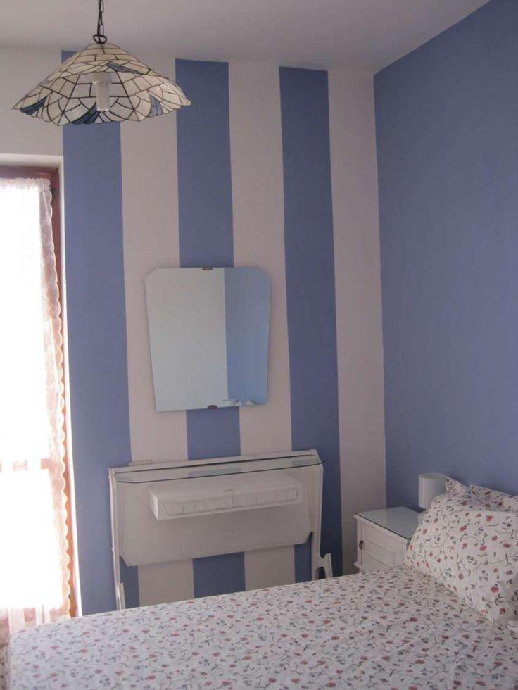 Oltre 25 fantastiche idee su pareti a righe su pinterest - Parete a righe camera da letto ...