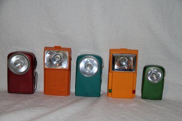 Tu Te Souviens De Ces Lampes De Poche Avec La Grosse Pile Dedans Ca A Bien Evolue Depuis Avec Les Led A Batterie Lampe Led Flashlight Nostalgie N