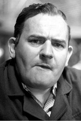 Ronnie Barker, 1929-2005 my all time comedy hero. An absolute genius. Not ashamed to say I cried when I heard of his passing. Reminds me of me dad