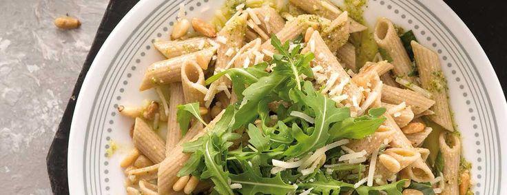 Het recept voor deze pasta pesto van Fajah Lourens komt uit haar het boek Killerbody 2. Dit hoofdgerecht is niet alleen lekker, maar ook heel simpel.