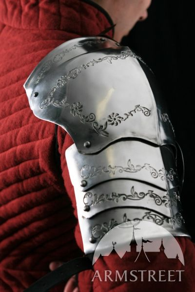 Pauldron and spalders by Armstreet. Gorgeous engraving. Functional art, if you will.
