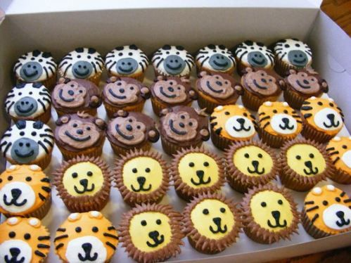 zoo animal cupcakes - birthday cake