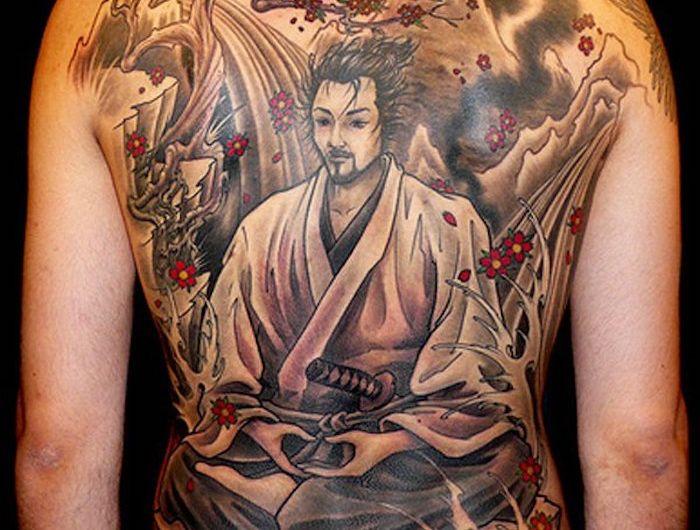 les 25 meilleures id es de la cat gorie tatouage samourai. Black Bedroom Furniture Sets. Home Design Ideas