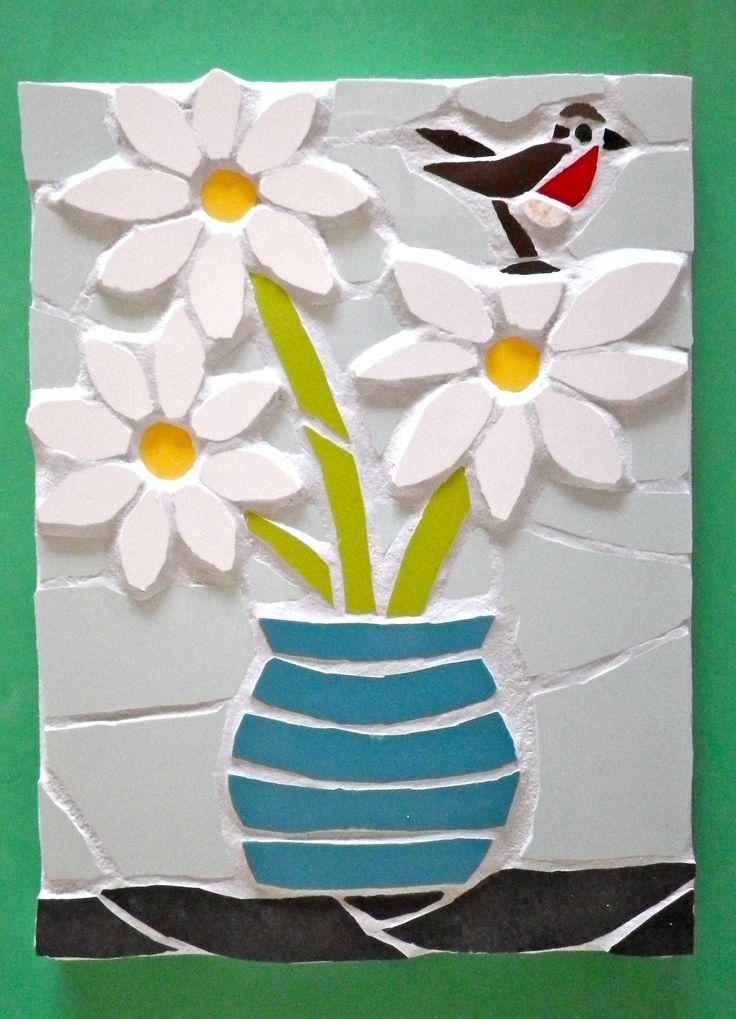 A mosaic vase of daises plus robin! www.justmosaics.co.uk