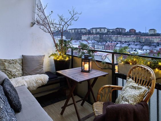 cozy small balcony deco ideea