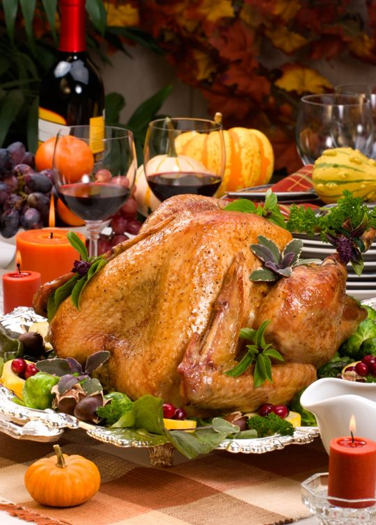 79 best images about thanksgiving decorations on pinterest for Decoration ideas for thanksgiving dinner