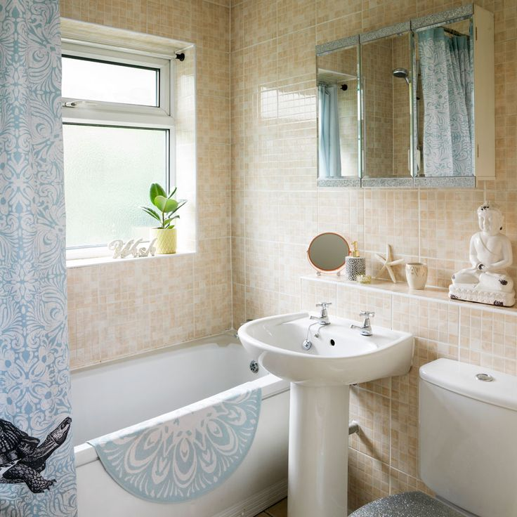 Our small but sparkly Bathroom featured during our home tour on the Ideal Homes website @prettylittlepoppet