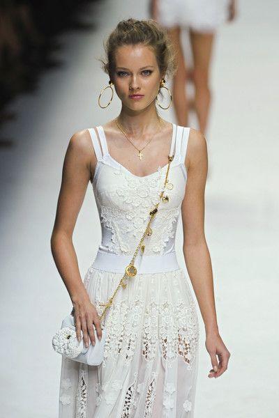 Dolce & Gabbana at Milan Spring 2011