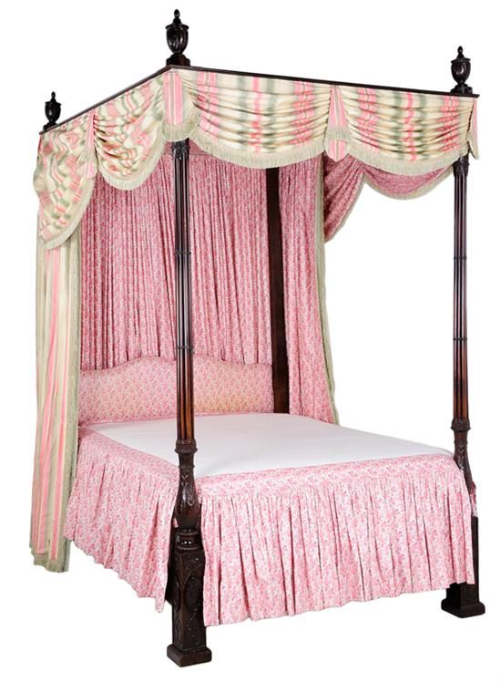 4000 22 Dec A FINE GEORGE III MAHOGANY FOUR POSTER BED WITH DR.
