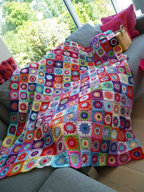 Manta quadros coloridos crochê