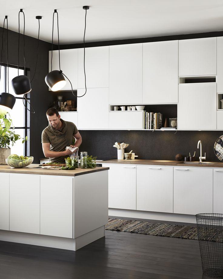 Fint med sort vegg på kjøkken