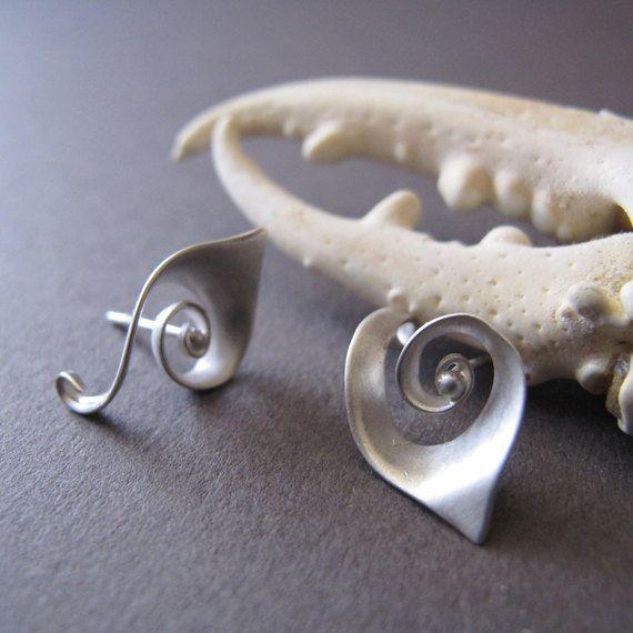 Spirale Post orecchini in argento, spirale Nautilus borchie