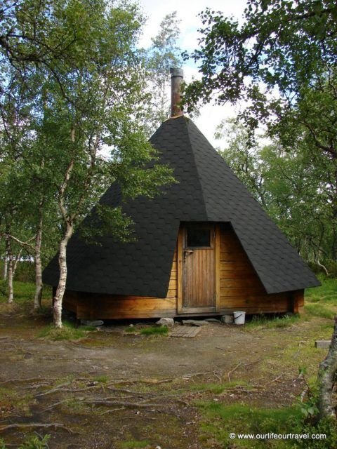 finland suomi lappish hut kota fireplace