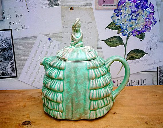 Sadler Crinoline Lady Teapot . Sadler tea pot Ye Daintee Ladyee . Green Sadler Teapot . Marbled green Art deco china teapot . English china