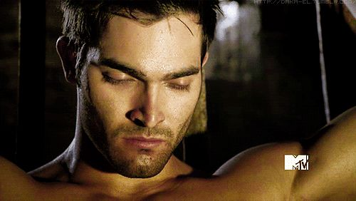 """And these… these are his eyes.   Community Post: 41 GIFs Of The """"Teen Wolf"""" Men To Make You Drool"""