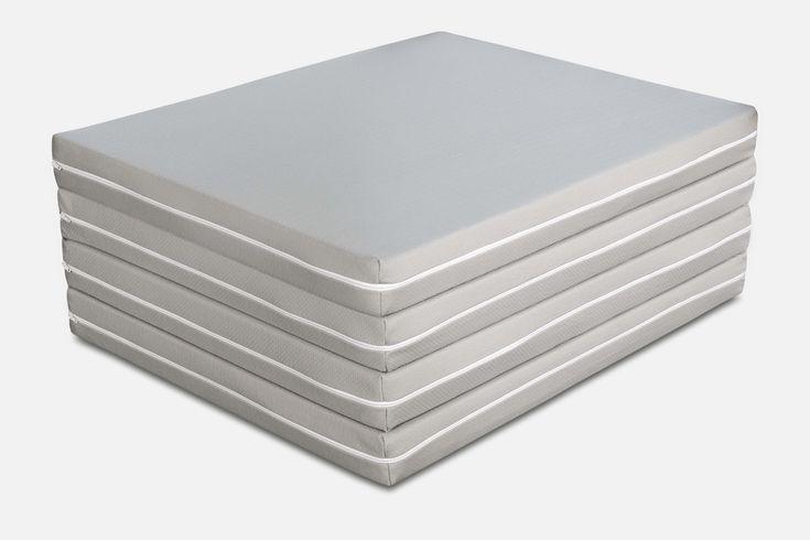 Materasso Futon Pouf e materasso matrimoniale, tutto questo racchiuso in un solo prodotto. Confortevole e pratico può essere utilizzato come semplice pouf.