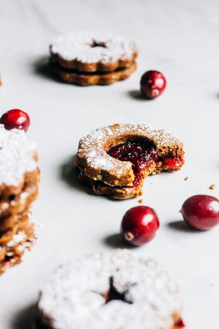 Gingerbread Cranberry Linzer Cookies