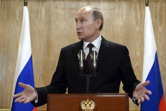 Putins Russland leidet am Versailles-Syndrom Russland sieht im Ende der Sowjetunion eine Demütigung. So blickte auch Deutschland 1919 auf den Vertrag von Versailles. Völker und Politiker mit einem solchen Komplex sind unberechenbar.