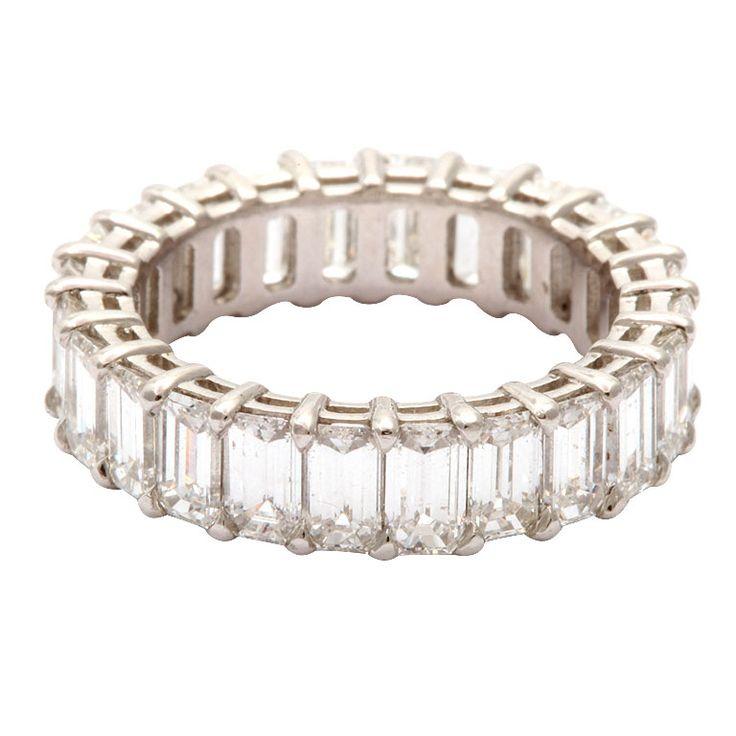 Marilyn Monroe's wedding ring w/Joe DiMaggio..Love it!!!!