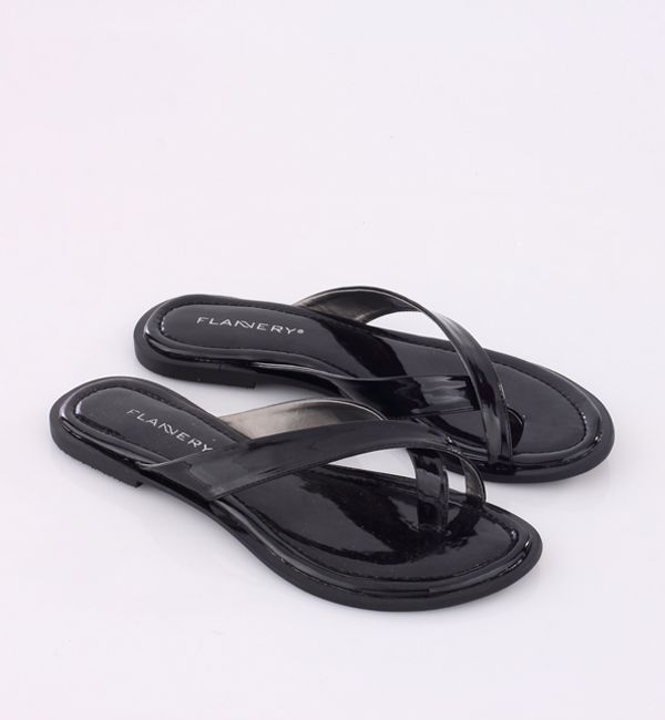 Spesification : – Synthetic canvas – Synthetic outsole TPR  Size (36 s/d 41) Colour : ALL BLACK Diskon 25%