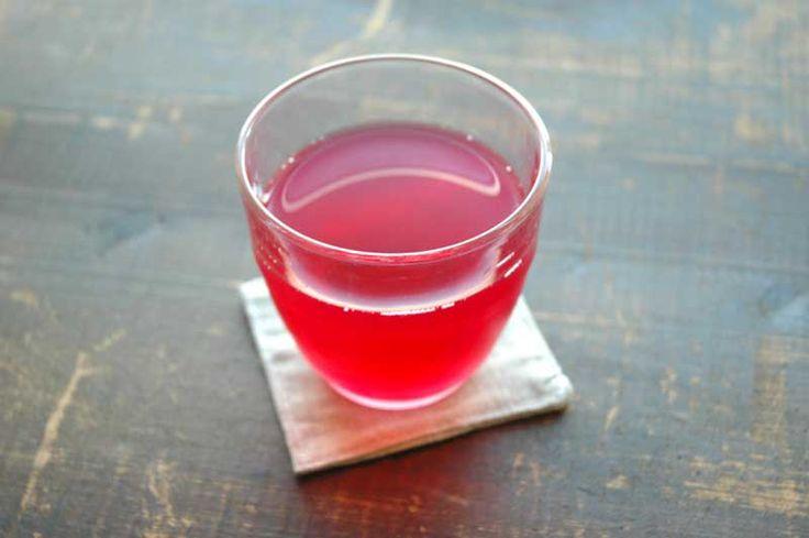 赤しそジュースの写真