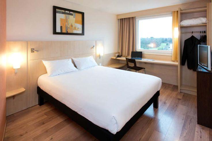 Chambre double avec lit simple à l'hôtel Ibis #Luxembourg Aéroport http://www.ibis.com/fr/hotel-0974-ibis-luxembourg-aeroport/index.shtml