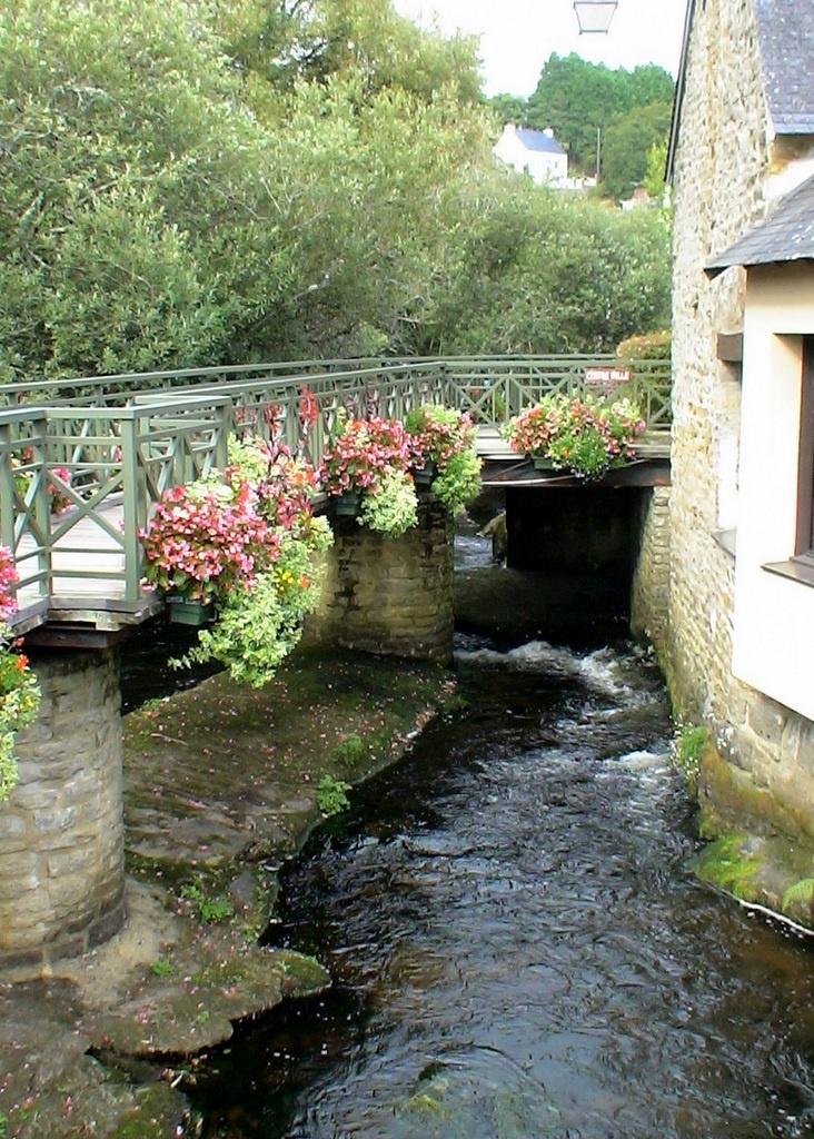 Pont-Aven , Finistère