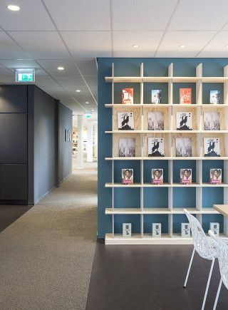 Bookcases. Publisher. Office: interior design and project management by Heyligers design+projects. www.h-dp.nl