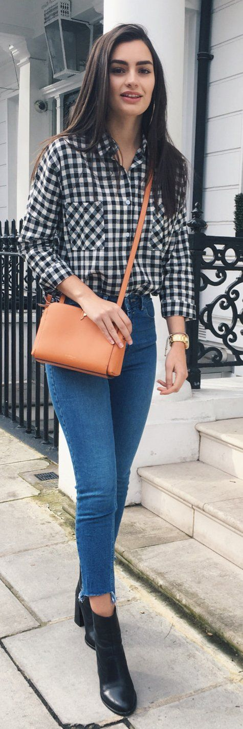 Spring Outfits /  Black & White Checked Shirt / Skinny Jeans / Camel Leather Shoulder Bag / Black Leather Booties