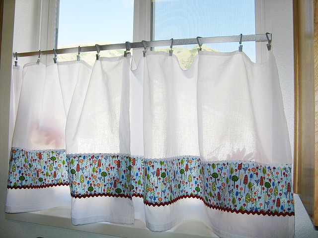 I am not the greatest at sewing. But I have wanted to make some café curtains for a while, and finally did! It took me 2 days, but it would have taken only one if I hadn't lost my fabric marker and spent the first 1/2 of the day looking for it!   They Great to look at!!!