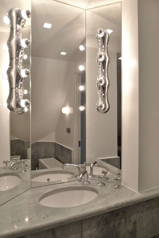 www.jeysenolesen.se © : marble bathroom design : residential project stockholm : (mirror, vanity, glass, marble)