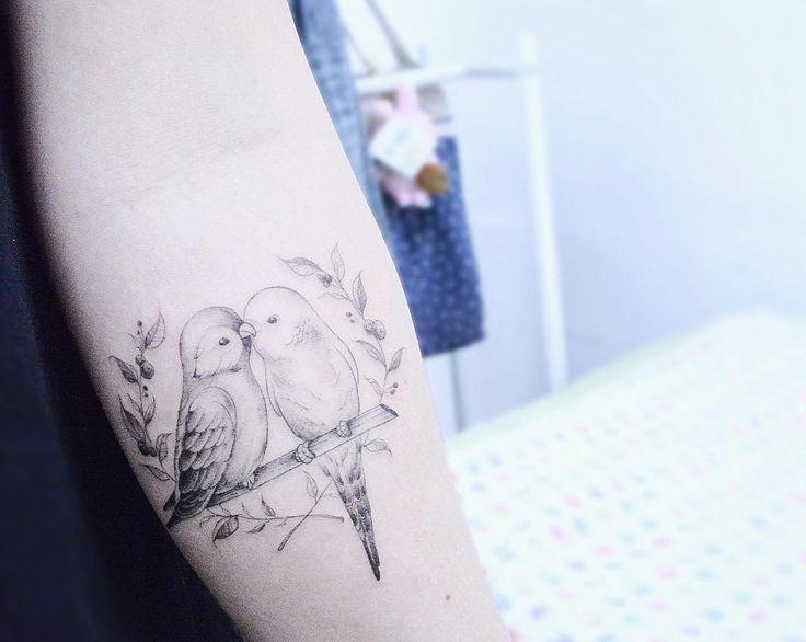: lovebirds 잉꼬부부 . . #tattooistbanul #tattoo #tattooing #bird #birdtattoo #blacktattoo #tattoosupplybell #tattooartist #tattooart #타투이스트바늘 #타투 #새타투