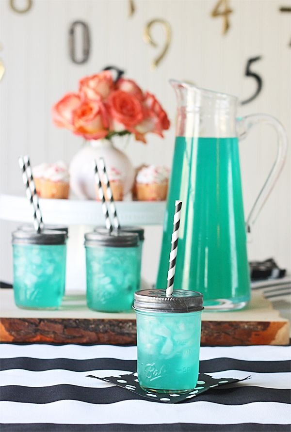 Moonlight Margarita Recipe *by the pitcher or by the glass ~ both included*